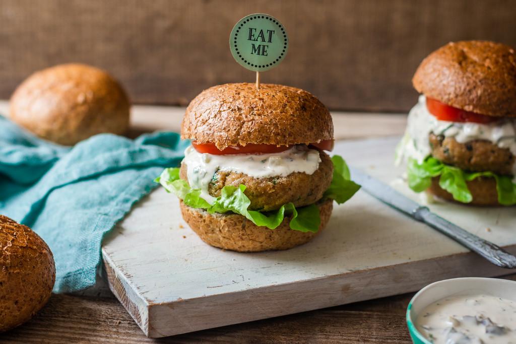 Przepis na domowego burgera rybnego